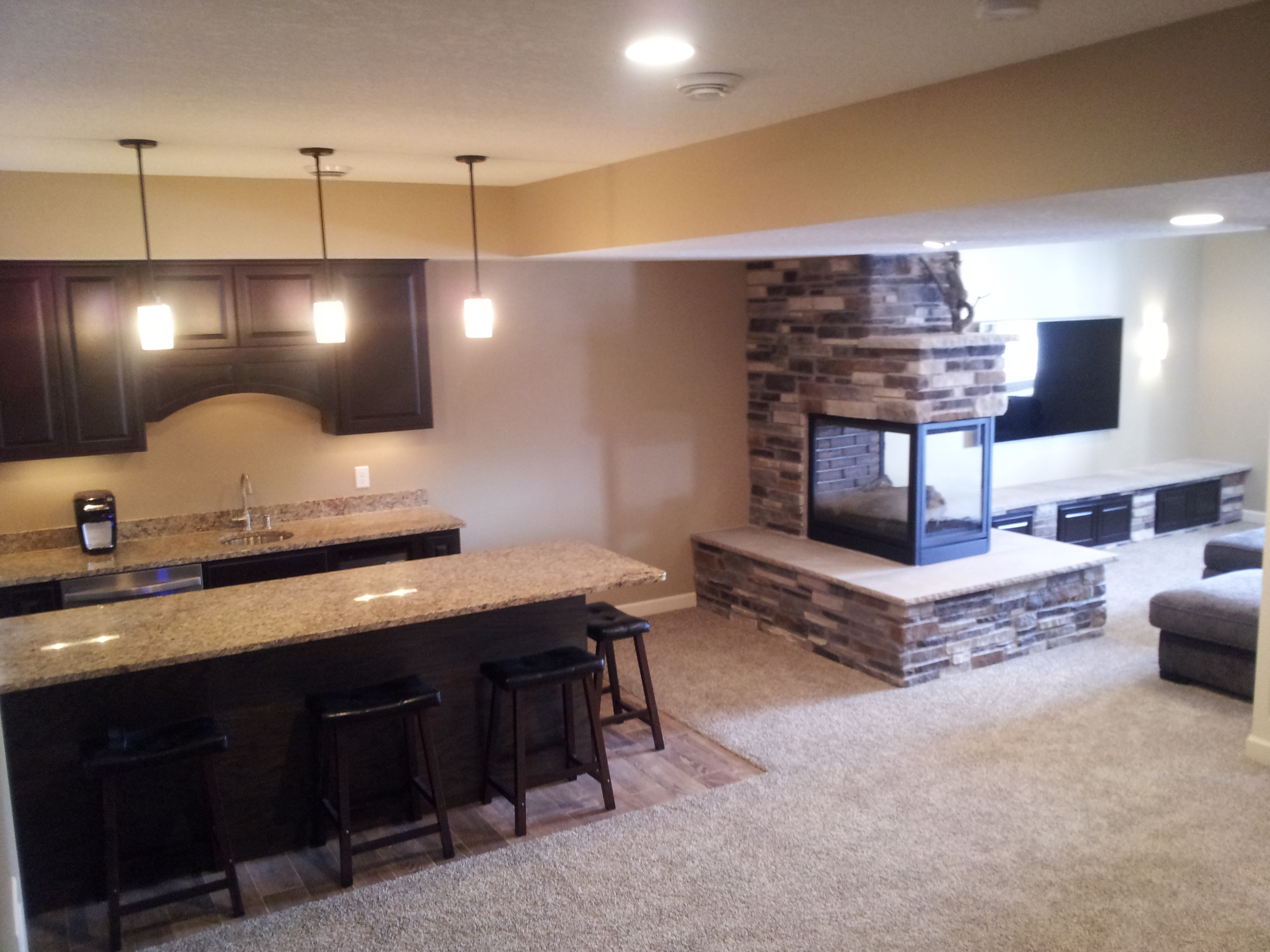 Exceptionnel Maple Grove Basement